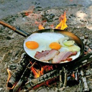 готовить еду