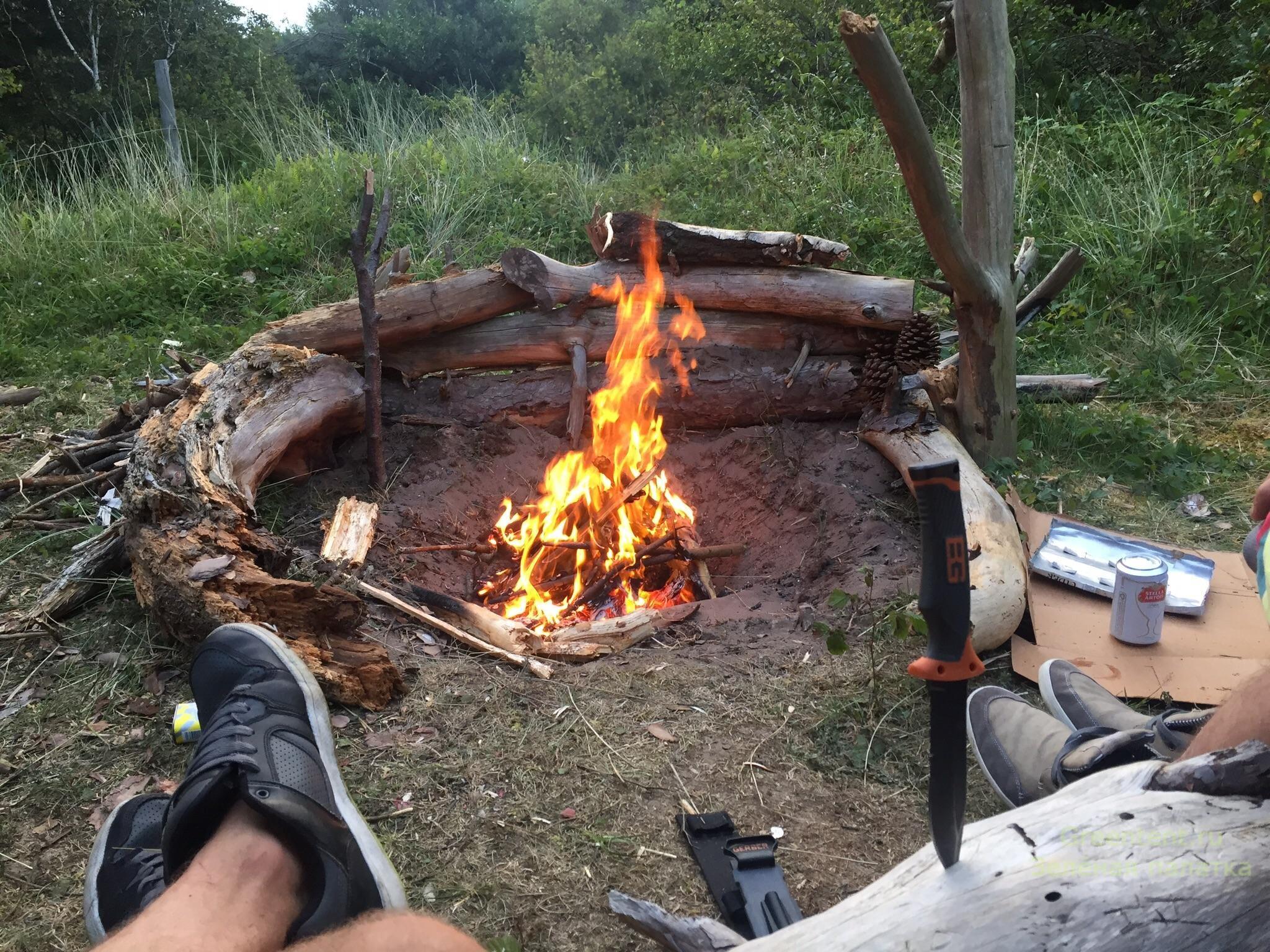 отдых в лесу у костра