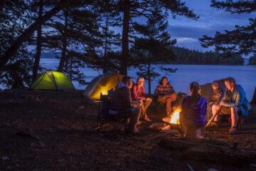 основные места обустройства палаточного лагеря зеленая палатка природа отдых дикарями с палатками